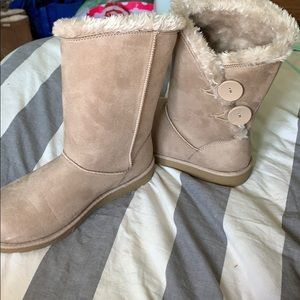 Winter furry boots